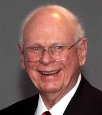 Kanadan entinen puolustusministeri Paul Hellyer